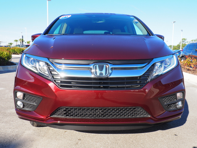 Pre-Owned 2019 Honda Odyssey EX-L w/Navigation and Rear Entertai