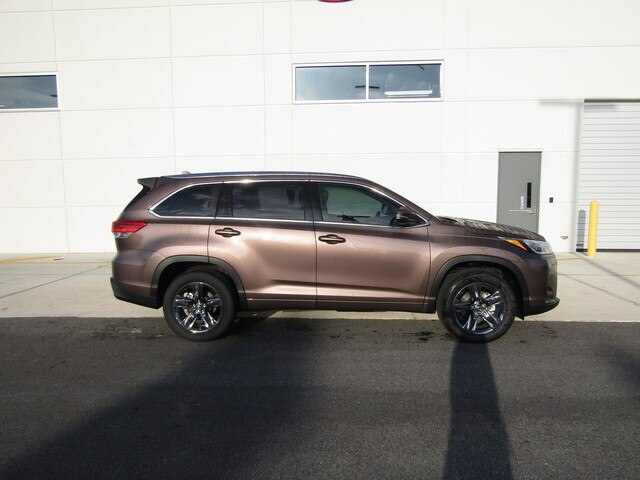 New 2019 Toyota Highlander Limited Platinum V6
